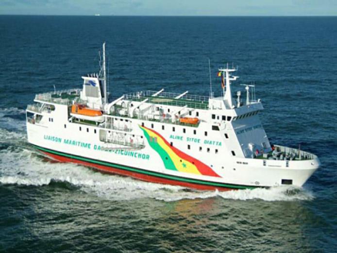 Bateau ferry Sénégal